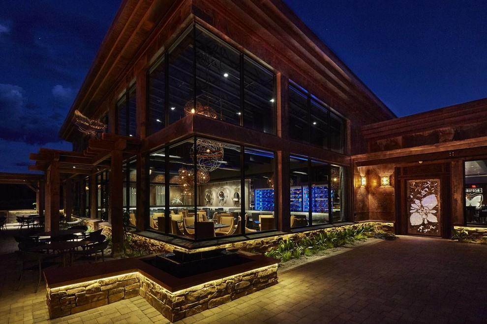 Large modern exterior home idea in Phoenix