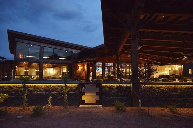 Mariposa Restaurant Sedona Arizona Modern House Exterior Phoenix By Matt Dougan Design Houzz Uk