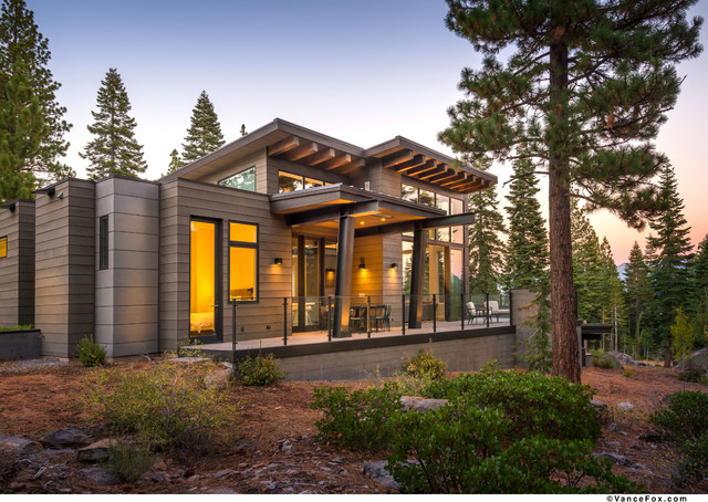 Contemporary Home In The Woods
