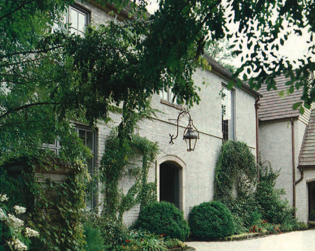 Mary Evelyn's Birmingham home traditional-exterior