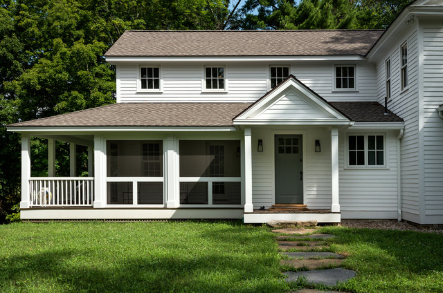 Inspiration For A Farmhouse White Exterior Home Remodel In New York