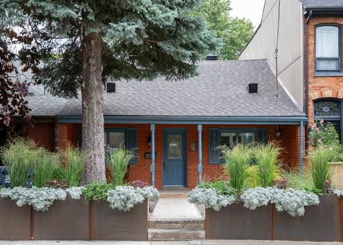 brick house door color