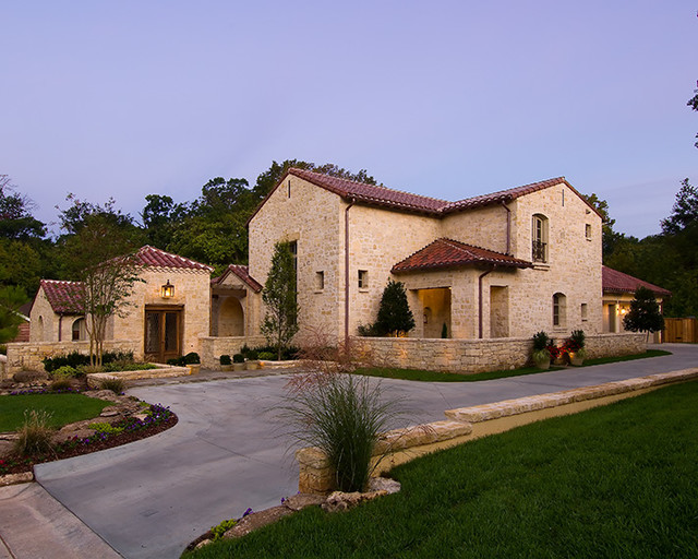 Mediterranean tuscan style homes mediterranean for Tuscan home designs