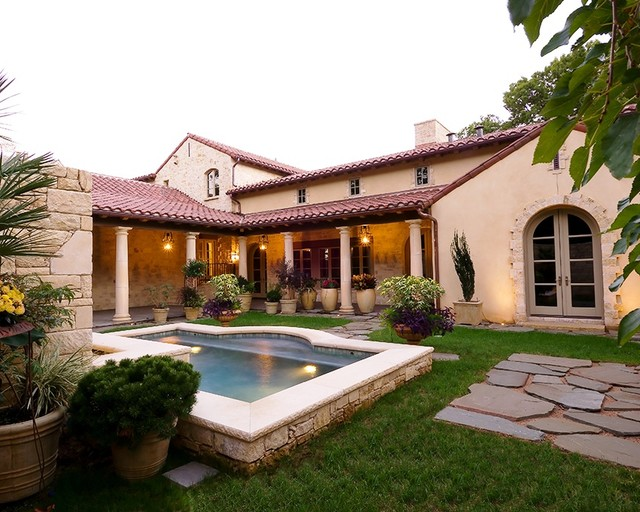 Tuscan style houses house plan 2017 for Small tuscan style homes