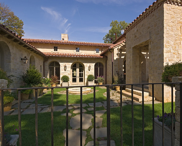 Mediterranean tuscan style homes for Mediterranean style homes images