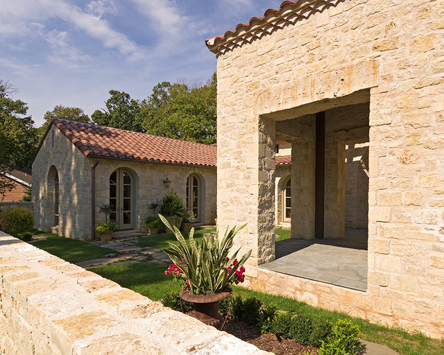Mediterranean & Tuscan Style Homes