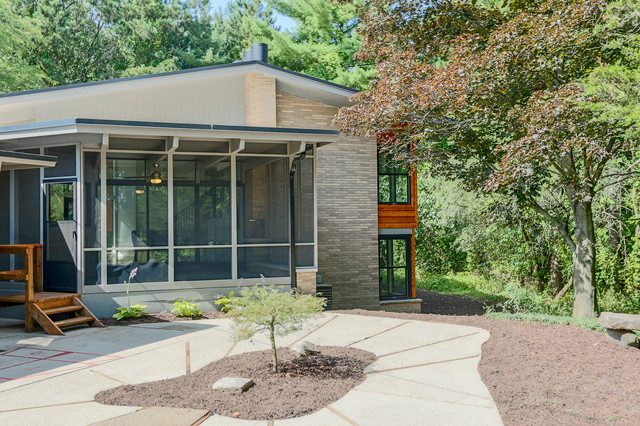 mid century modern house remodel and staging midcentury exterior