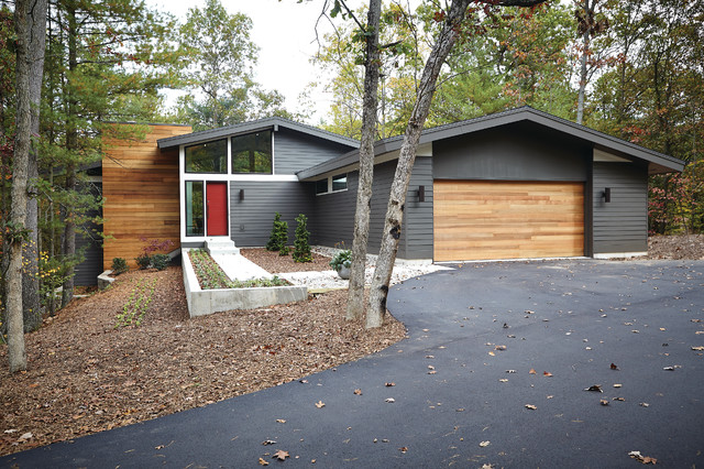 Mid century modern midcentury exterior grand rapids for Cost to build mid century modern home