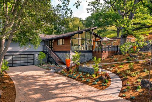 ไอเดียบ้านสองชั้น 11 Ammirato Mid Century Modern