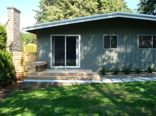 Mid Century Ranch Deck