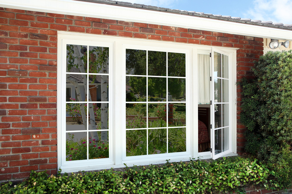 4 Reasons to Consider Tinting Your Home Windows
