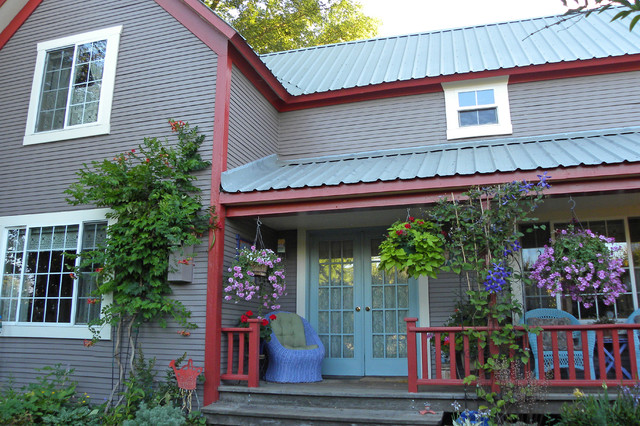 Farmhouse Exterior by Sarah Greenman
