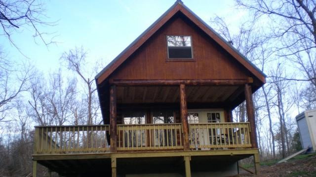 mini cabin traditional-exterior