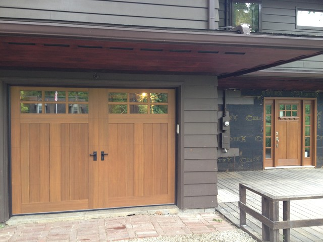 Mission style makeover craftsman exterior cleveland for Garage side entry door