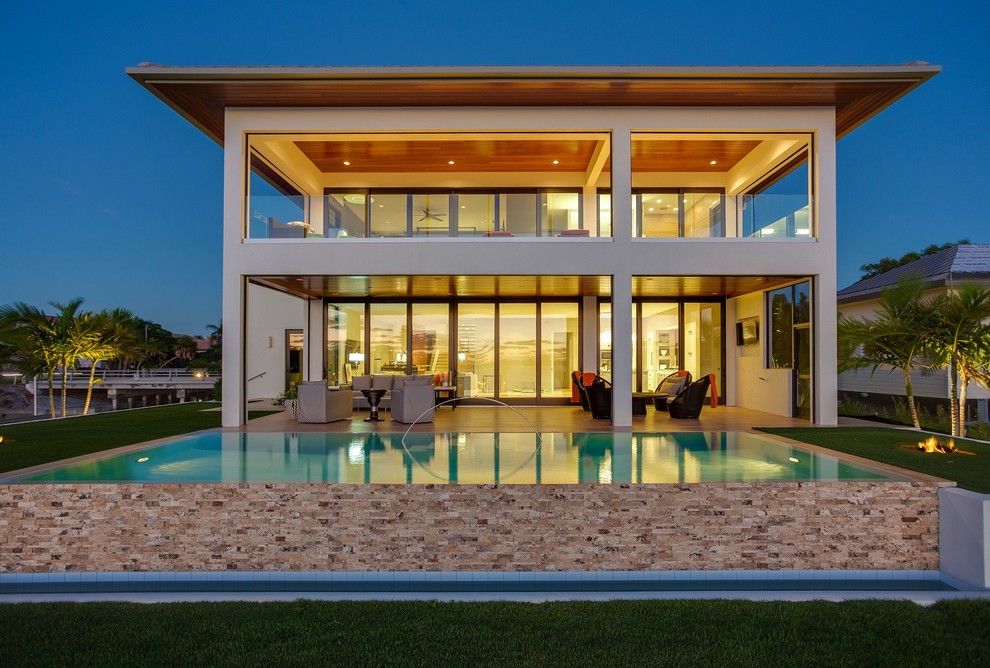 Inspiration for a tropical exterior home remodel in Tampa