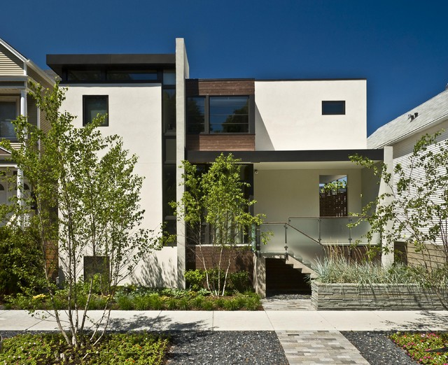 Modern city house exterior modern exterior chicago for Contemporary house exterior