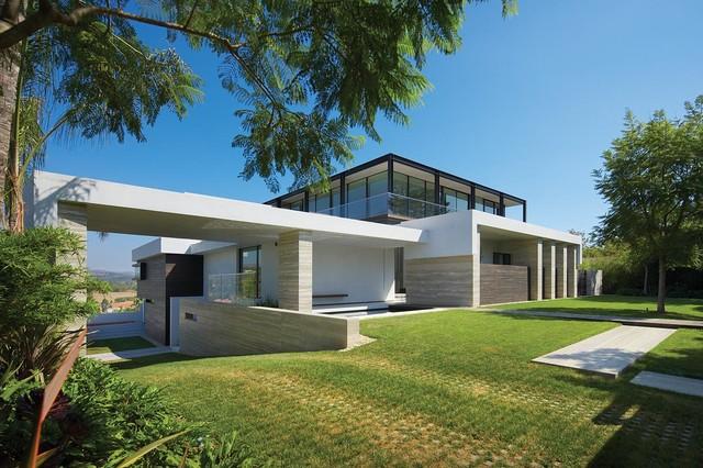 Liane Lane modern-exterior