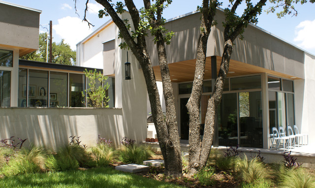 contemporary exterior by Sara Cukerbaum