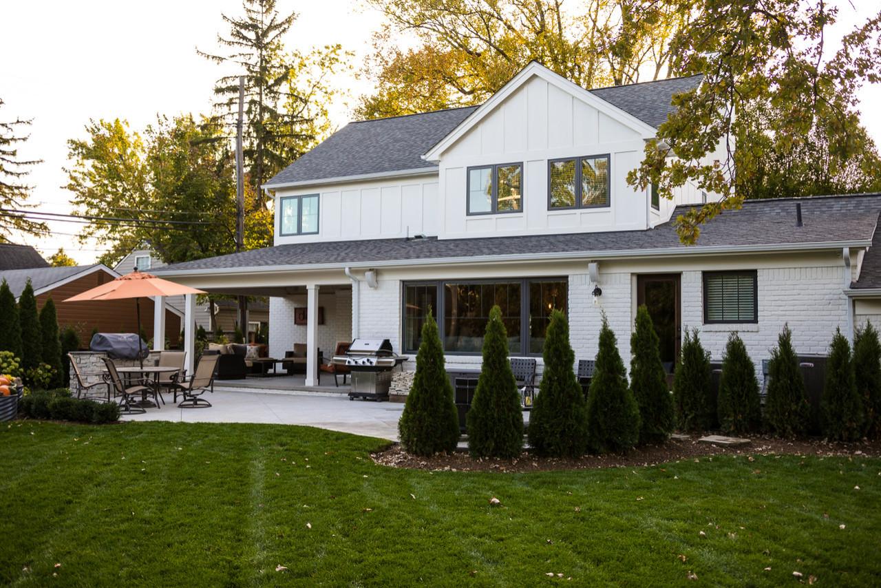 Modern Family Farmhouse