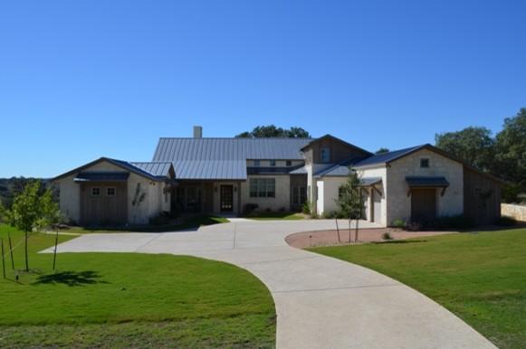 Modern farm house for Modern rustic farmhouse exterior