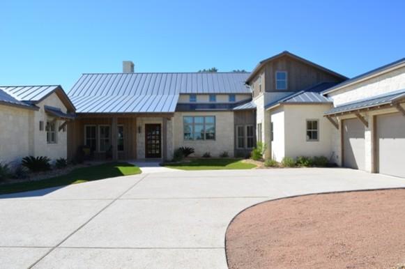 Modern farm house - Rustic modern farmhouse exterior ...