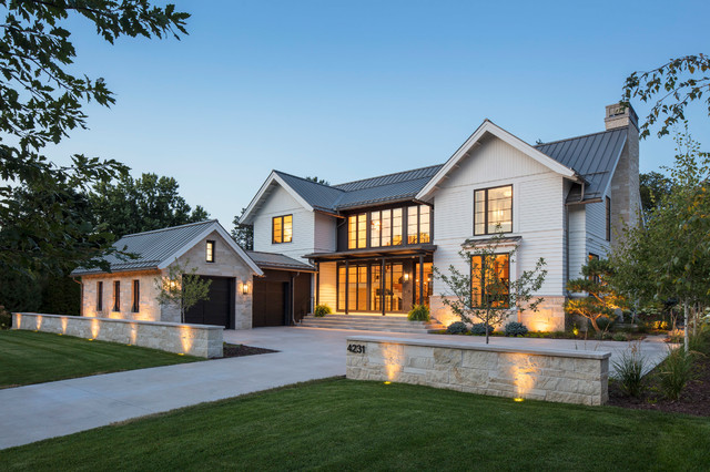 Example of an exterior home design in Minneapolis