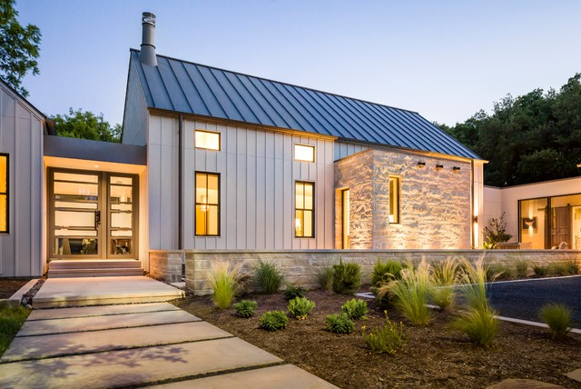 Modern farmhouse in dallas texas farmhouse exterior for Farmhouse style homes for sale