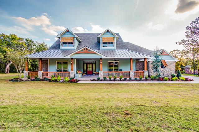 Modern farmhouse parade of homes model home farmhouse for Oklahoma home designers