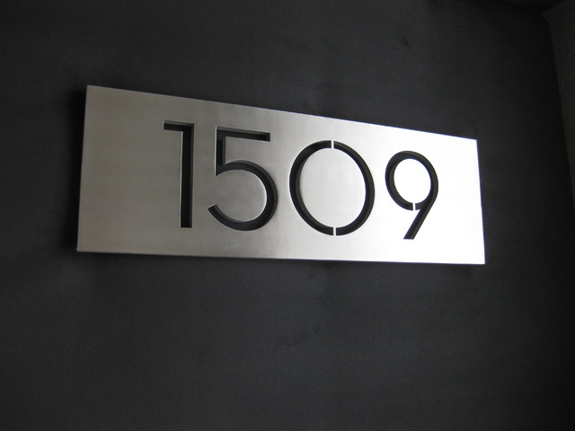 Modern house number plaques modern exterior phoenix for Modern house number plaques