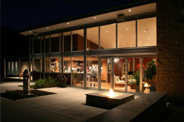 Modern Lake House modern-exterior