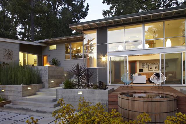 Modern Lifestyle midcentury-exterior