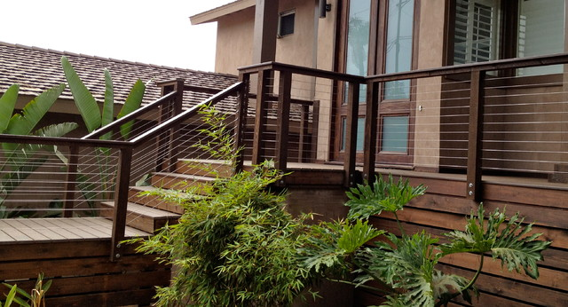 Natural Wood And Pvc Cable Railings Modern Exterior