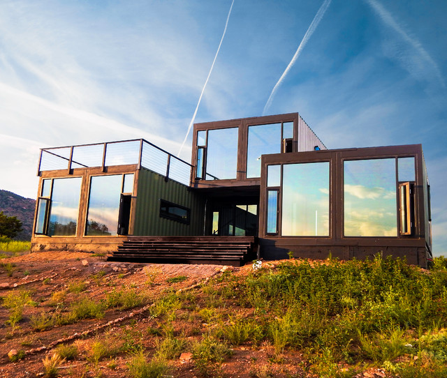 Modern Shipping Container House Plan Design: Modern Shipping Container Cabin