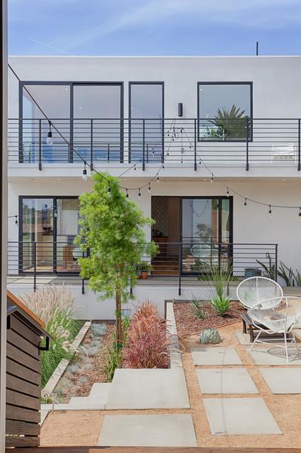 Modern Silver Lake Residence Contemporary Exterior