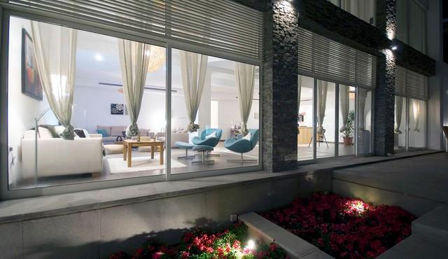 Modern style beach villa beach-style-exterior