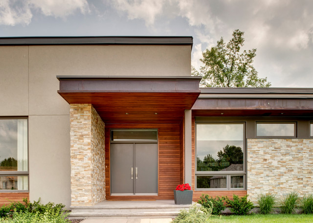 Modern suburban design contemporary exterior ottawa by maple leaf custom homes for Exterior doors ottawa