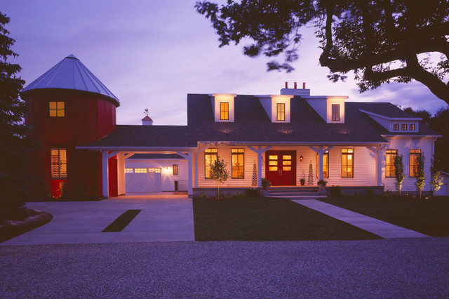 Modern Traditional Farmhouse farmhouse-exterior
