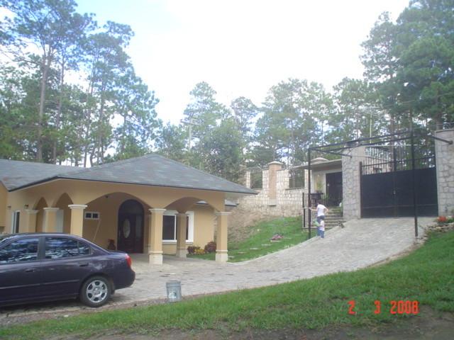 Montain House contemporary-exterior