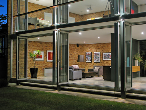 Home elevation with glass facade