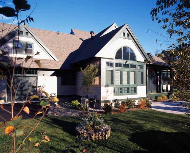 Mount Washington Retreat traditional-exterior