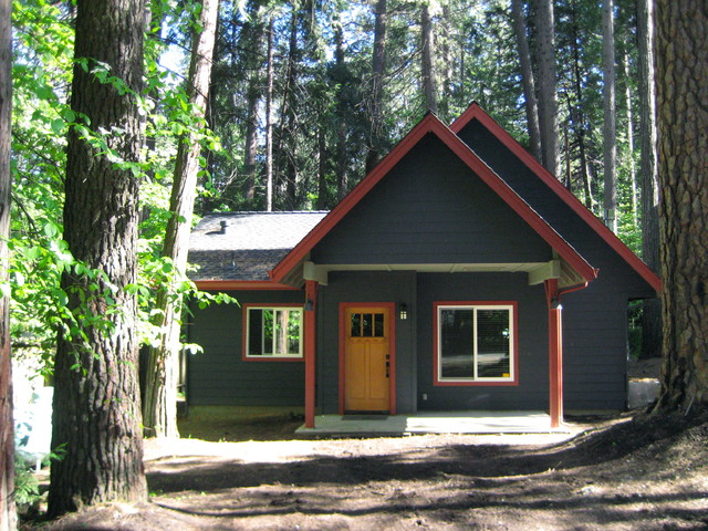 Mountain Cabin Exterior Color Design   Twain Harte, CA Traditional Exterior