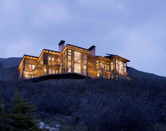 Mountain home contemporary-exterior