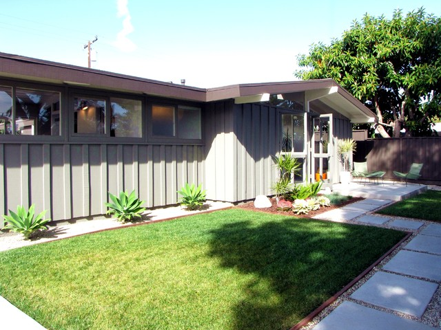 My Houzz A MidCentury Marvel Revived In Long Beach Midcentury Fascinating Vintage Modern Bedroom Exterior Property