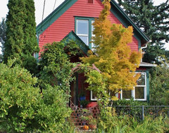 Musical Whimsy in Bellingham eclectic-exterior