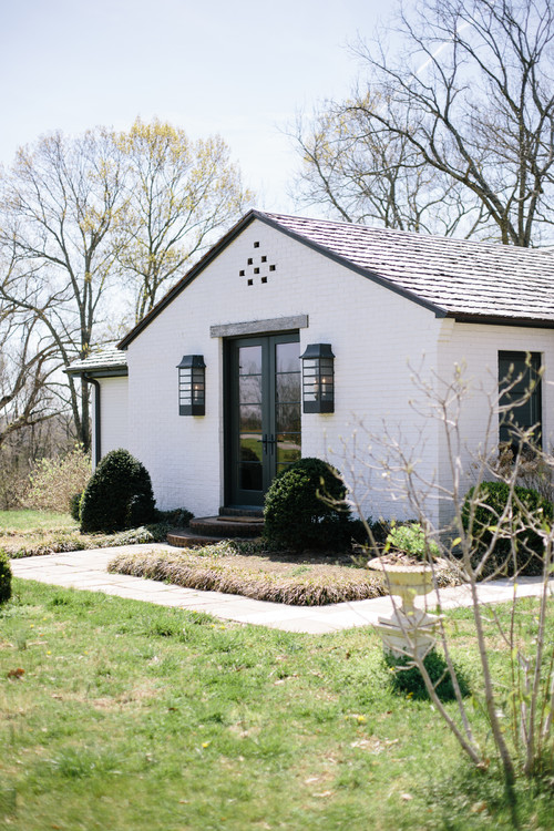 A Charming Farmhouse in Nashville, TN