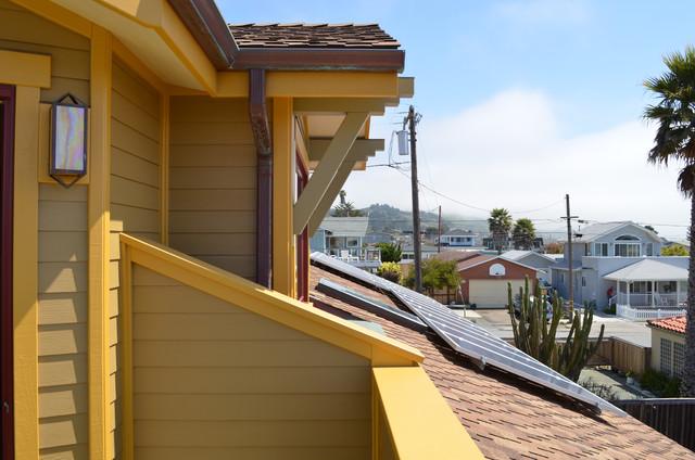 Cayucos, CA: Robert and Phyllis Frank craftsman-exterior