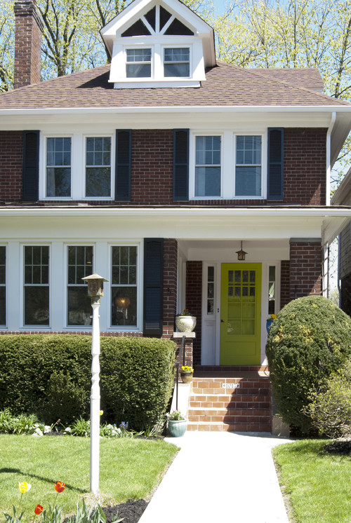 Stunning front door colors to boost curb appeal