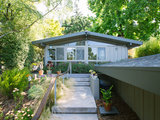 midcentury exterior My Houzz: DIY Efforts Reward a Berkeley Family (18 photos)