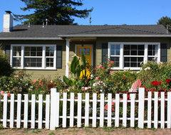My Houzz: Santa Cruz: Jen beach-style-exterior