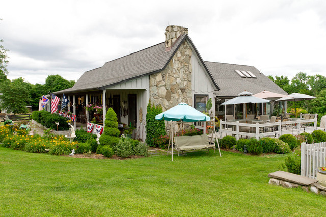 My Houzz: New York Farmhouse With a Western Feel farmhouse-exterior